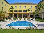 fiesta-inn-colima-Facilit-Pool.jpg